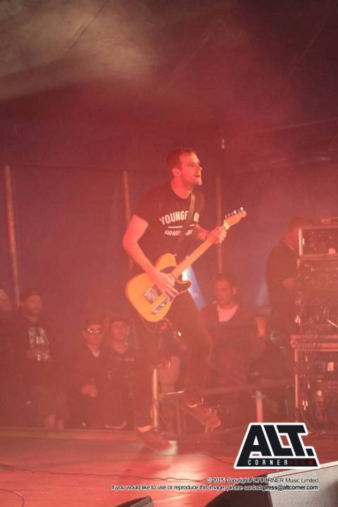 Defeater at 2000 Trees