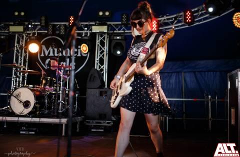 Muncie Girls-2